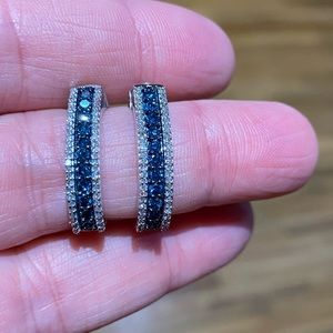Blue and white diamond earrings in white gold